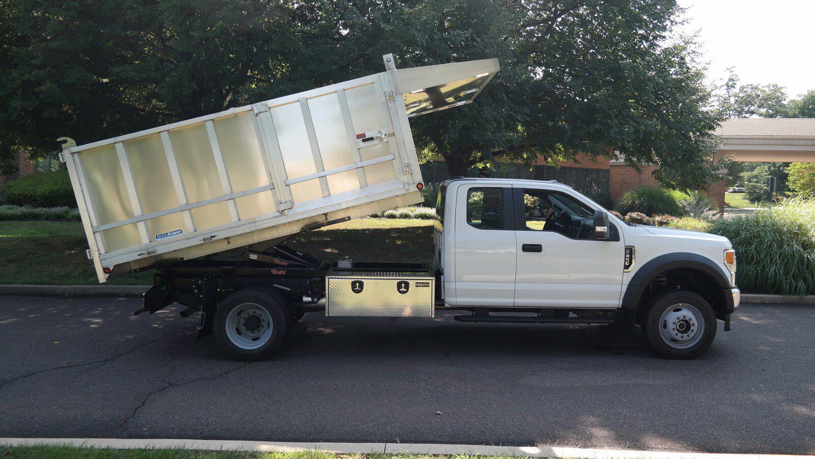 2021 F-450 Super Cab DRW 4x4,  Dejana Truck & Utility Equipment MAXScaper Landscape Dump #FLU10490 - photo 8