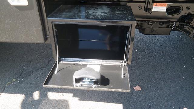 2021 F-550 Regular Cab DRW 4x4,  Dump Body #FLU10609 - photo 5