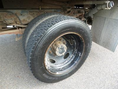 2004 F-450 Regular Cab DRW 4x2,  Landscape Dump #FLU350191 - photo 22