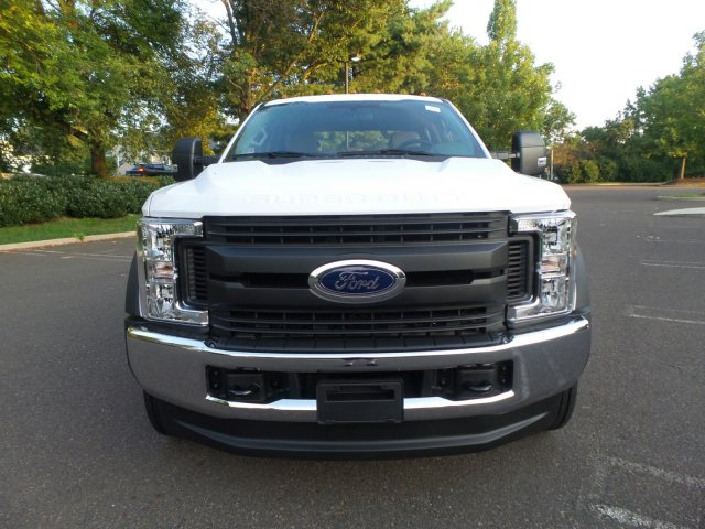 2019 F-550 Crew Cab DRW 4x4, Cab Chassis #FLU35090 - photo 4