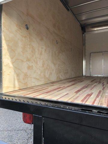 2019 E-350 4x2, Morgan Parcel Aluminum Cutaway Van #FLU35170 - photo 4