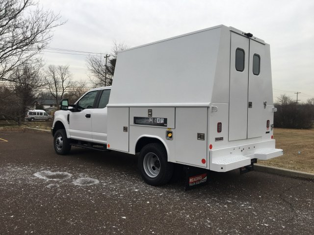 2019 F-350 Super Cab DRW 4x4, Reading Panel Service Body #FLU35332 - photo 2