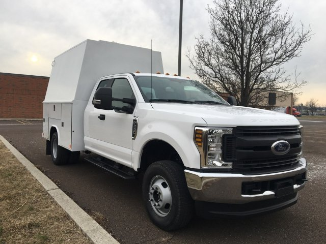 2019 F-350 Super Cab DRW 4x4, Reading Panel Service Body #FLU35332 - photo 8