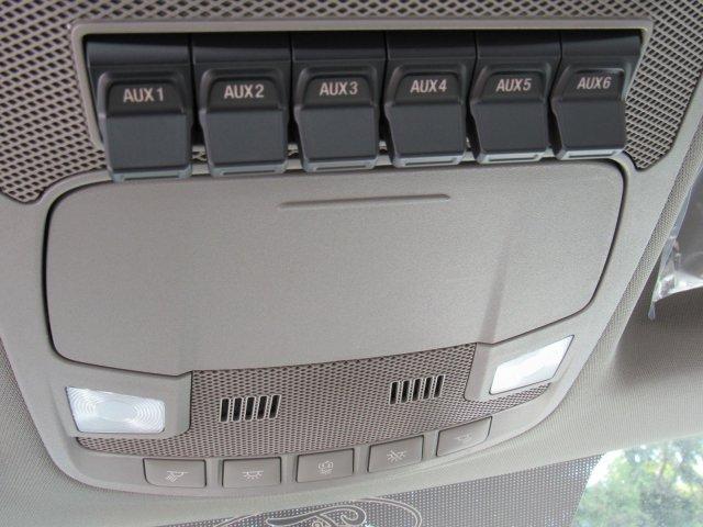 2019 F-450 Super Cab DRW 4x4, Service Body #FLU35337 - photo 18