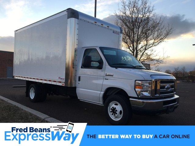 2019 E-350 4x2, Morgan Parcel Aluminum Cutaway Van #FLU35342 - photo 1