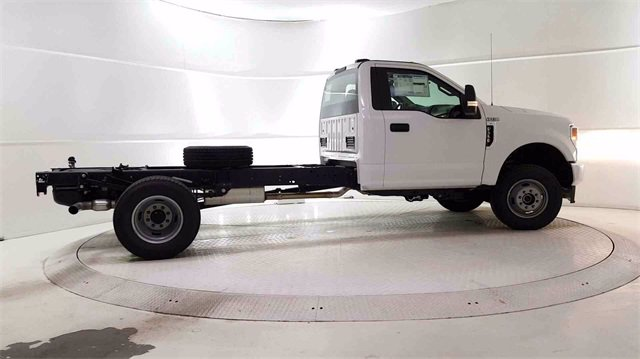 2020 F-350 Regular Cab DRW 4x4, Cab Chassis #200326 - photo 2