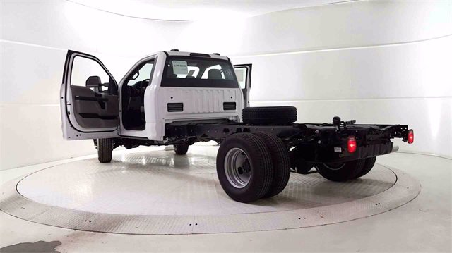 2020 F-350 Regular Cab DRW 4x4, Cab Chassis #200326 - photo 9