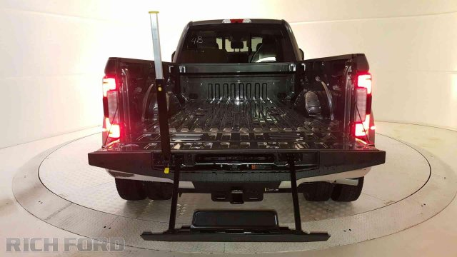 2019 F-450 Crew Cab DRW 4x4,  Pickup #93209 - photo 28