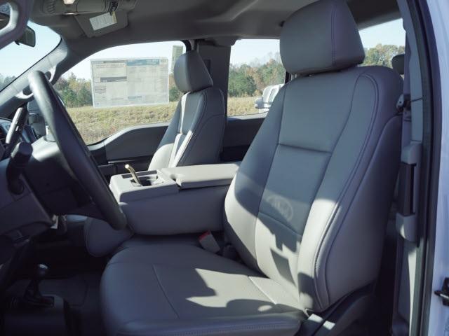2019 Ford F-450 Super Cab DRW 4x4, Reading SL Service Body #FT9468 - photo 13