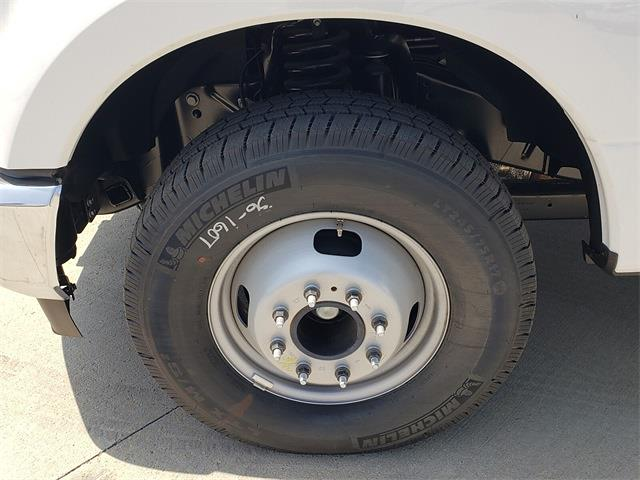 2020 Ford F-350 Regular Cab DRW 4x2, Cab Chassis #LEE09744 - photo 13
