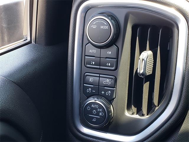 2020 Chevrolet Silverado 3500 Crew Cab 4x4, Pickup #P1167 - photo 21