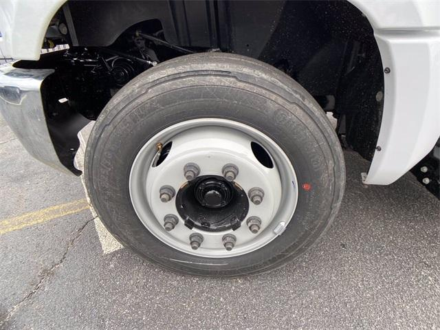2020 Chevrolet Silverado Medium Duty Crew Cab DRW 4x2, Knapheide Contractor Body #N20414 - photo 13