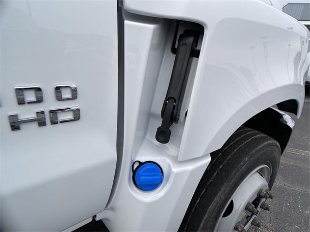 2020 Chevrolet Silverado Medium Duty Crew Cab DRW 4x2, Knapheide Contractor Body #N20414 - photo 19