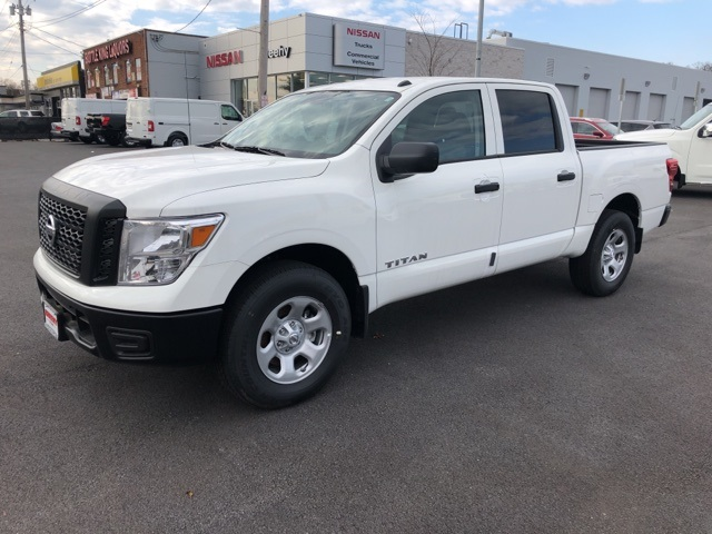2019 Titan Crew Cab 4x4,  Pickup #E500052 - photo 4
