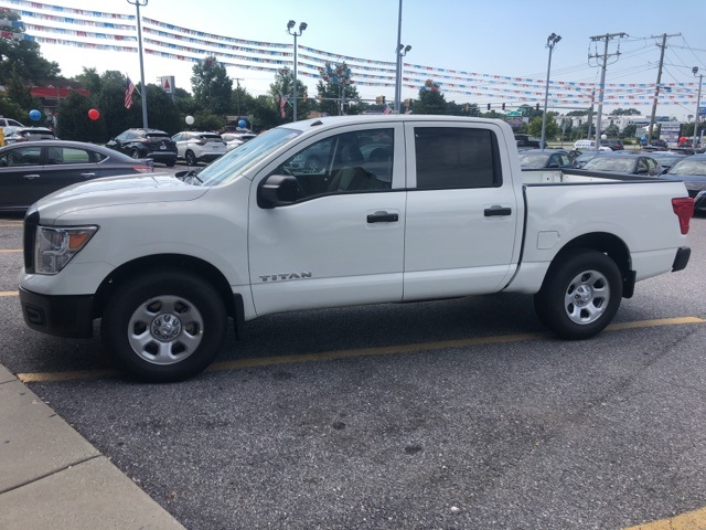 2019 Titan Crew Cab 4x4,  Pickup #E502535 - photo 4