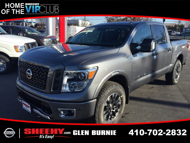 2019 Titan Crew Cab 4x4,  Pickup #E503602 - photo 1