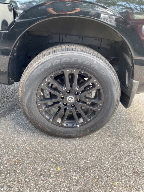 2019 Titan Crew Cab 4x4,  Pickup #E510473 - photo 17