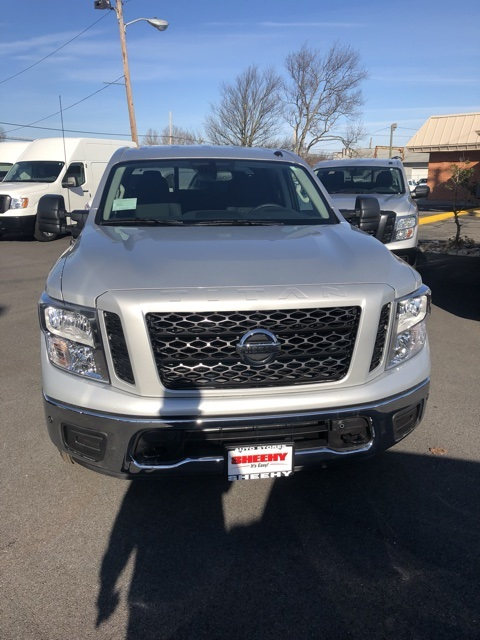 2019 Titan Crew Cab 4x4,  Pickup #E513082 - photo 3