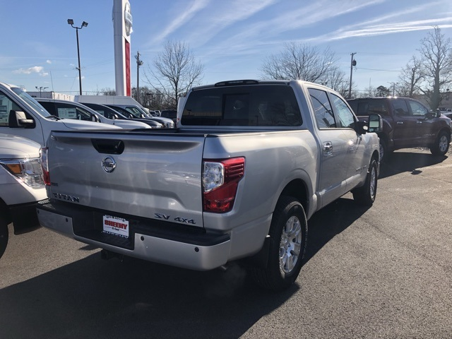 2019 Titan Crew Cab 4x4,  Pickup #E513082 - photo 2