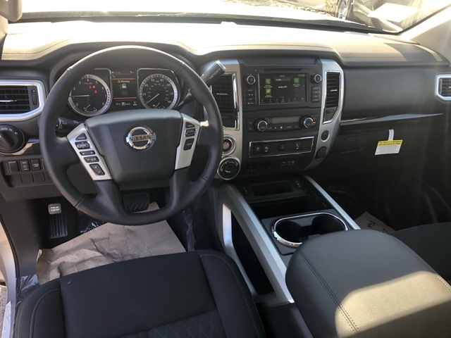 2019 Titan Crew Cab 4x4,  Pickup #E513082 - photo 8