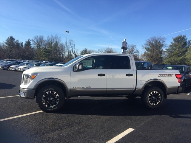 2019 Titan Crew Cab 4x4, Pickup #E514081 - photo 4