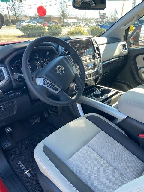 2021 Nissan Titan 4x4, Pickup #E514582 - photo 9