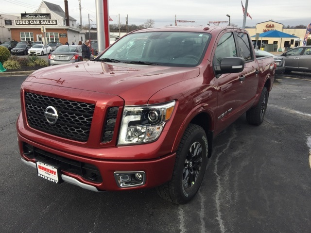 2019 Titan Crew Cab 4x4,  Pickup #E516631 - photo 4