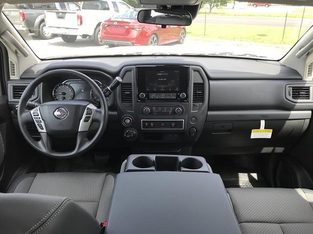 2021 Nissan Titan 4x4, Pickup #E526432 - photo 21