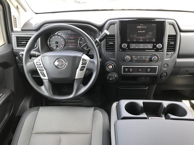 2021 Nissan Titan 4x4, Pickup #E526432 - photo 22