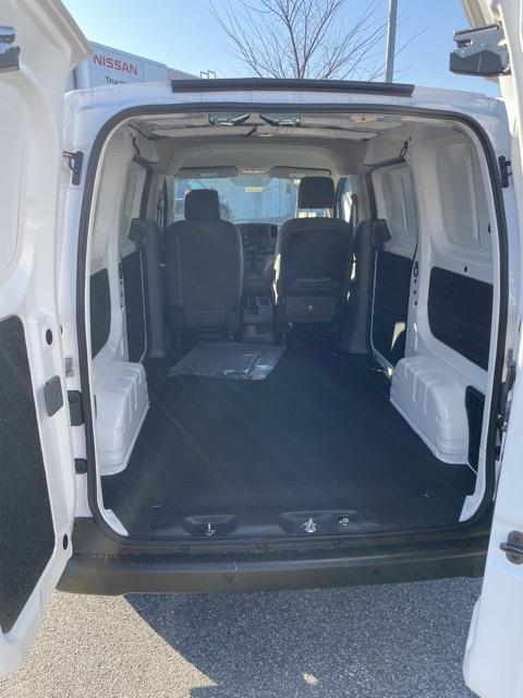 2021 Nissan NV200 4x2, Empty Cargo Van #E692669 - photo 2
