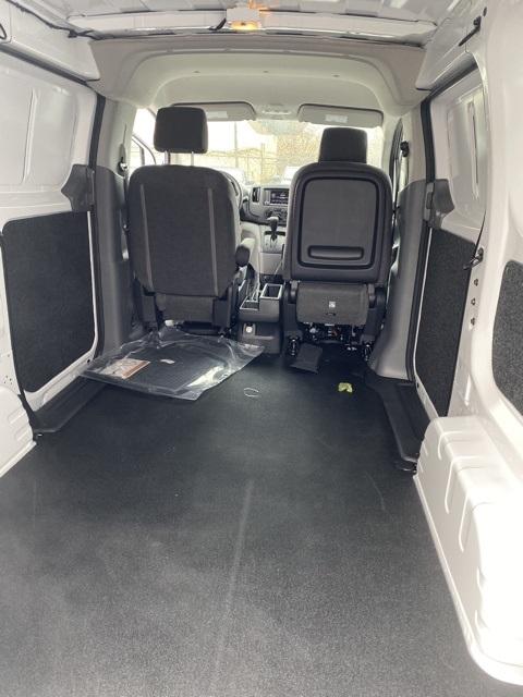 2020 Nissan NV200 4x2, Empty Cargo Van #E695125 - photo 2