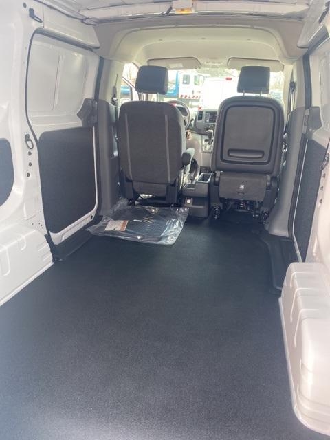2020 Nissan NV200 4x2, Empty Cargo Van #E695236 - photo 2