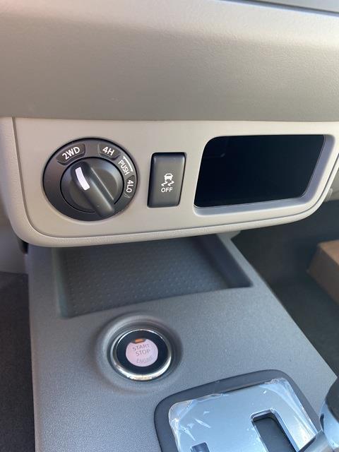 2021 Nissan Frontier 4x4, Pickup #E701262 - photo 17