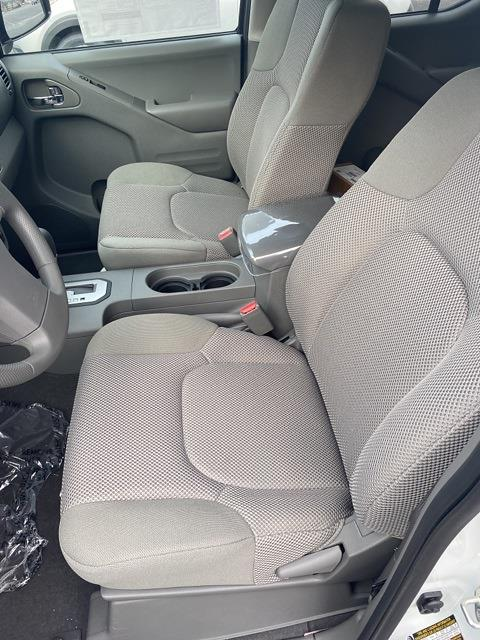 2020 Nissan Frontier Crew Cab 4x4, Pickup #E710591 - photo 22