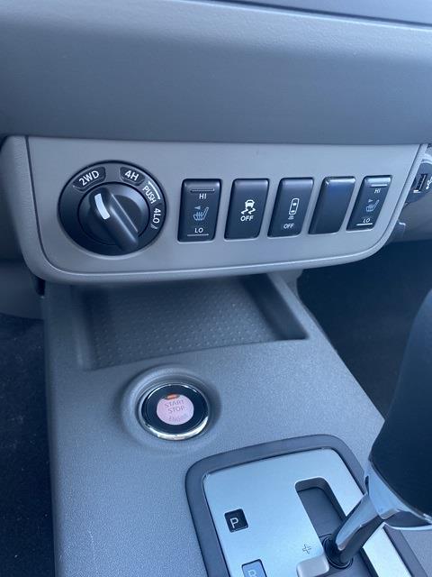 2020 Nissan Frontier Crew Cab 4x4, Pickup #E713866 - photo 14