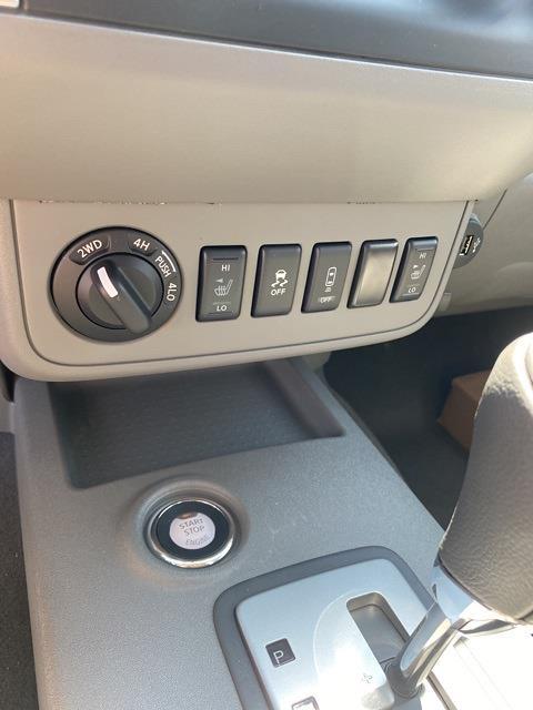 2021 Nissan Frontier 4x4, Pickup #E714031 - photo 16