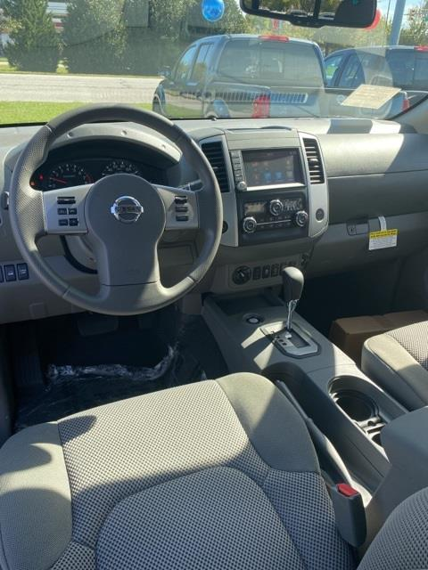 2020 Nissan Frontier Crew Cab 4x4, Pickup #E716149 - photo 10