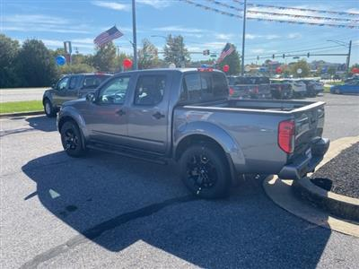 2020 Nissan Frontier Crew Cab 4x4, Pickup #E716149 - photo 2