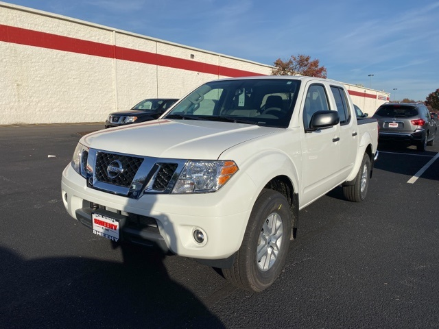 2019 Frontier Crew Cab 4x4, Pickup #E799104 - photo 4