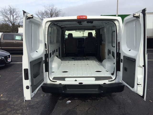2019 Nissan NV2500 Standard Roof 4x2, Empty Cargo Van #E801564 - photo 1