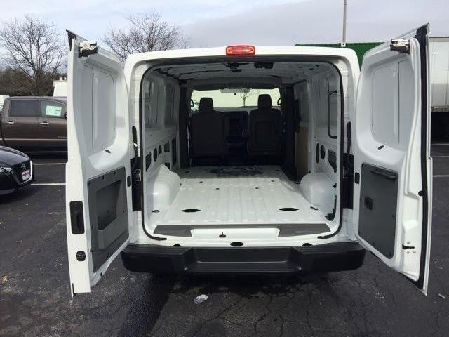 2019 NV3500 Standard Roof 4x2, Empty Cargo Van #E801800 - photo 2