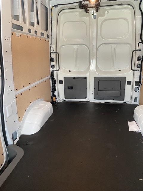 2021 Nissan NV2500 4x2, Empty Cargo Van #E806405 - photo 1