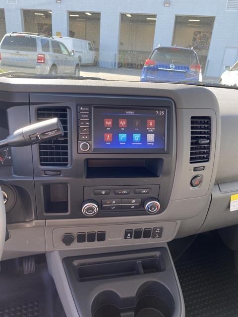 2020 Nissan NV2500 Standard Roof 4x2, Empty Cargo Van #E808470 - photo 11