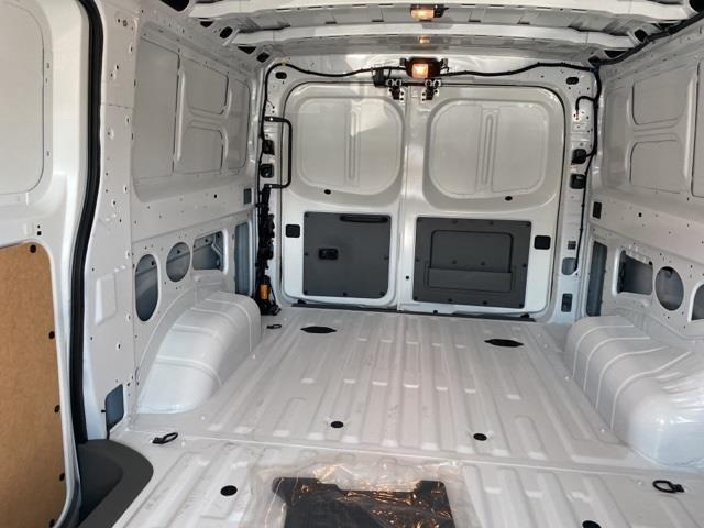 2020 Nissan NV2500 Standard Roof 4x2, Empty Cargo Van #E809061 - photo 1