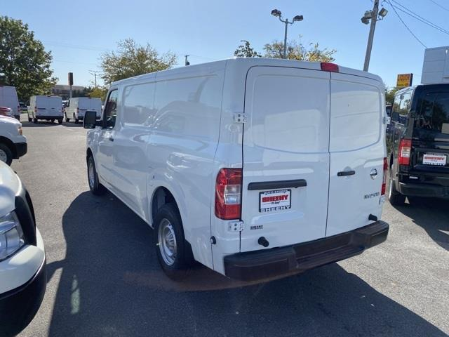 2020 Nissan NV2500 Standard Roof 4x2, Empty Cargo Van #E810326 - photo 5