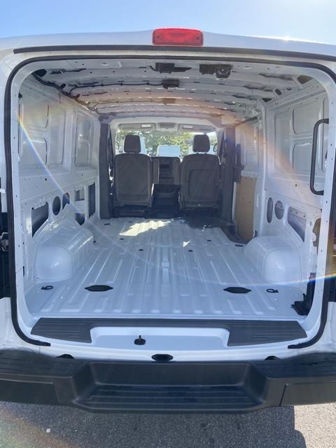2020 Nissan NV2500 Standard Roof 4x2, Empty Cargo Van #E810349 - photo 1