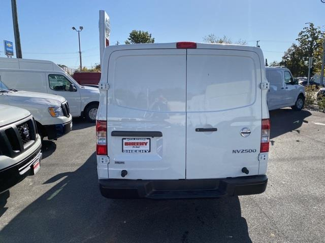 2020 Nissan NV2500 Standard Roof 4x2, Empty Cargo Van #E810359 - photo 7