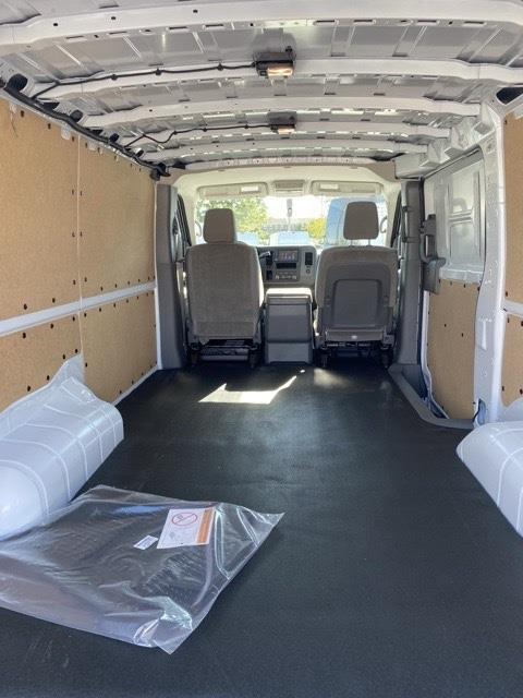 2020 Nissan NV2500 Standard Roof 4x2, Empty Cargo Van #E810566 - photo 1