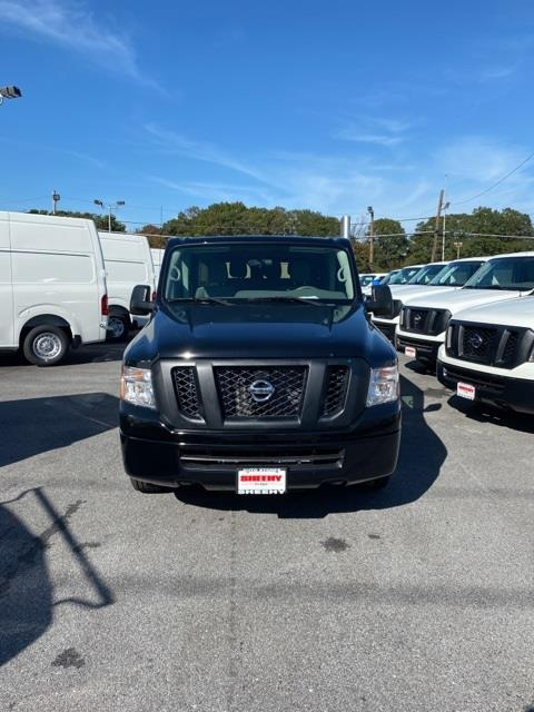 2020 Nissan NV3500 4x2, Passenger Wagon #E851676 - photo 3