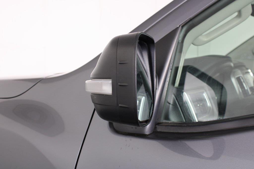 2018 Nissan Titan King Cab 4x4, Pickup #D219232A - photo 9